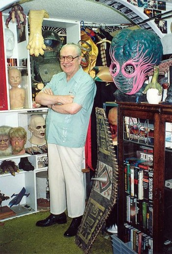 404px-Forrest_J_Ackerman_at_the_Ackermansion.jpg